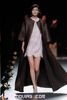 abrigos de tela brillante