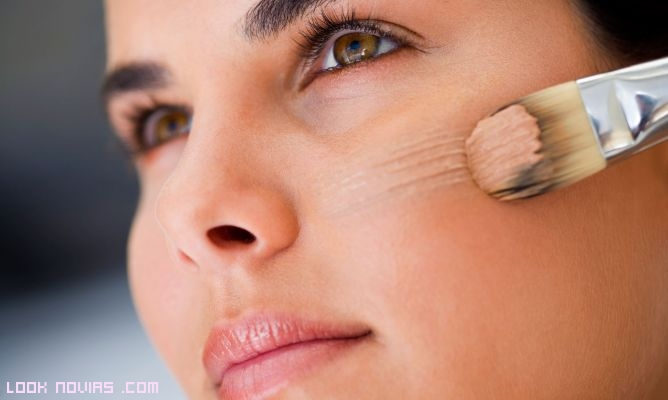 bases de maquillaje con corrector