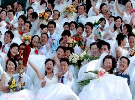 bodas económicas y colectivas