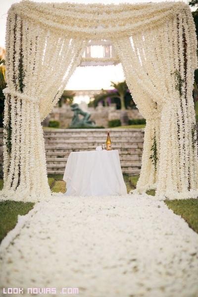 trucos para decorar el altar de boda