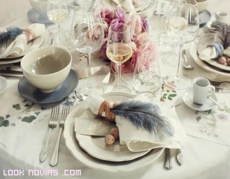 mesas decoradas con plumas