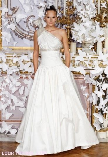 Vestidos de novia modernos en color blanco
