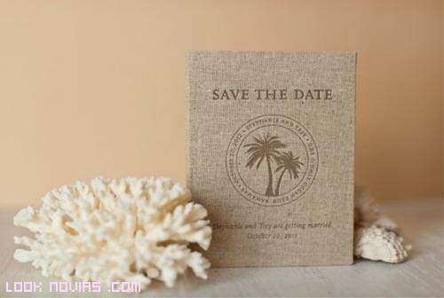 invitación con materiales reciclables