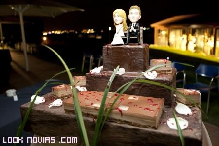 Tarta de boda con imagen de novios