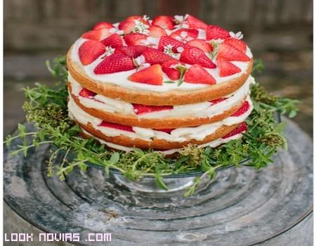 Pasteles con fresas para bodas