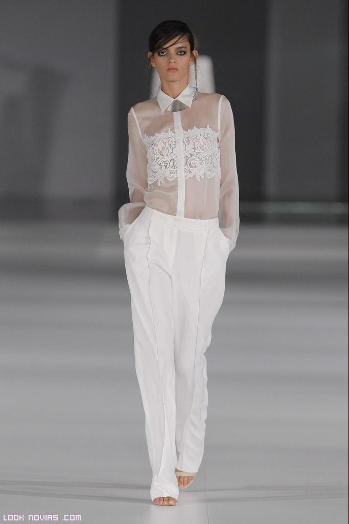 blusas blancas con encaje para novias