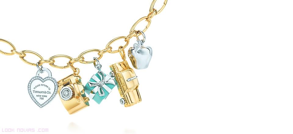 pulseras de oro y brillantes