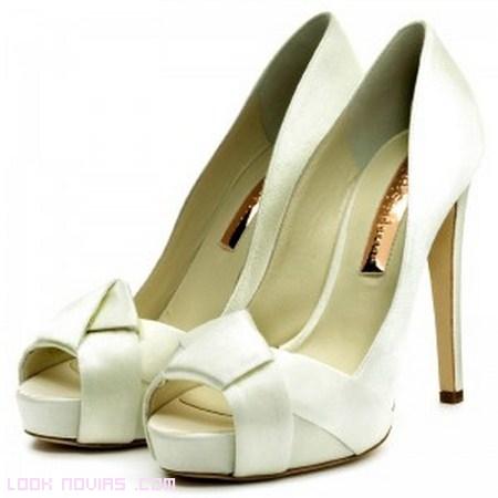 Zapatos de novias elegantes