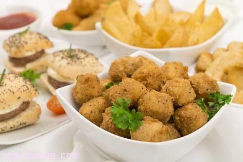 bandejas de aperitivos fritos