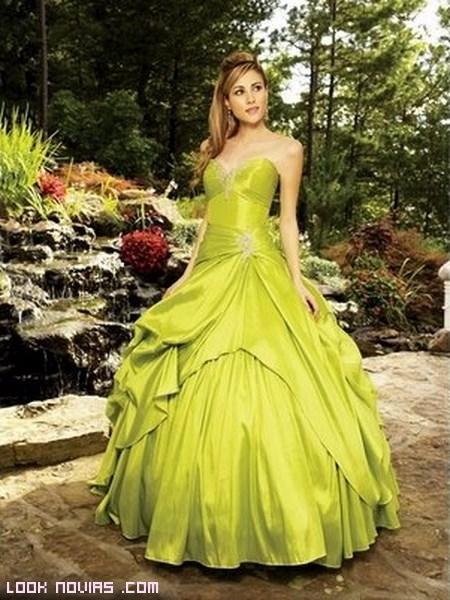 Vestidos de novia en verde