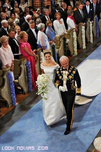 entrada de la novia con padrino
