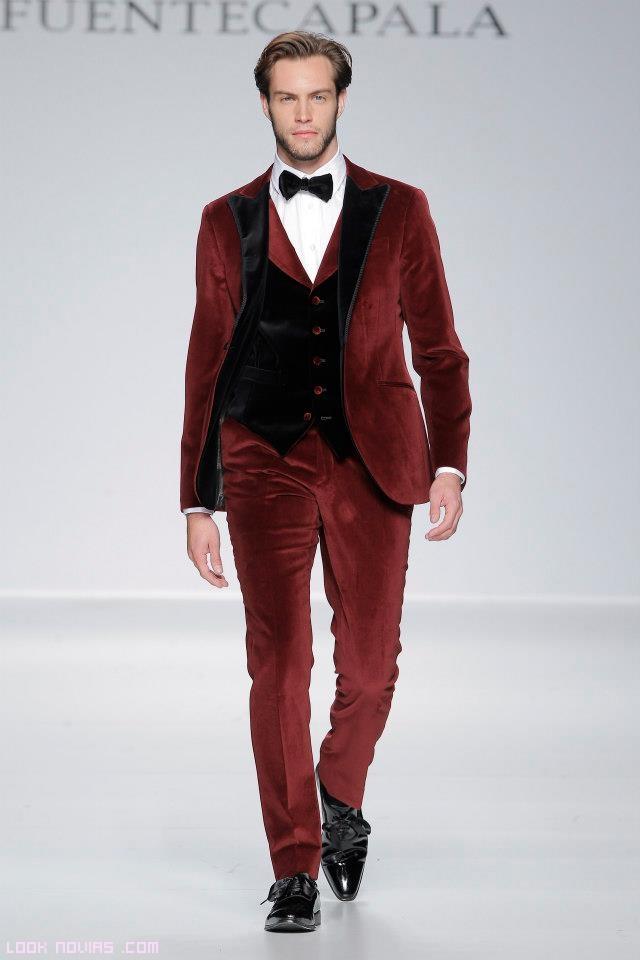 trajes de novio terciopelo rojo