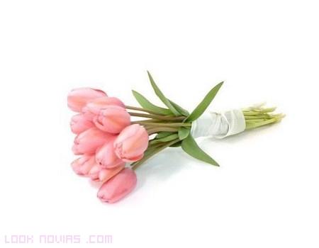 ramos sencillos con tulipanes