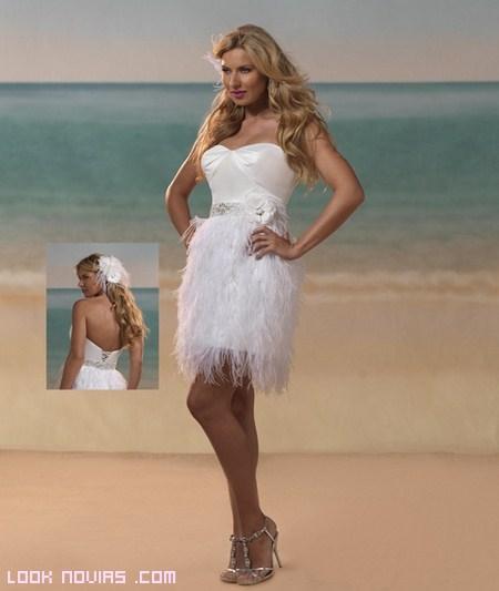 vestidos cortos de plumas