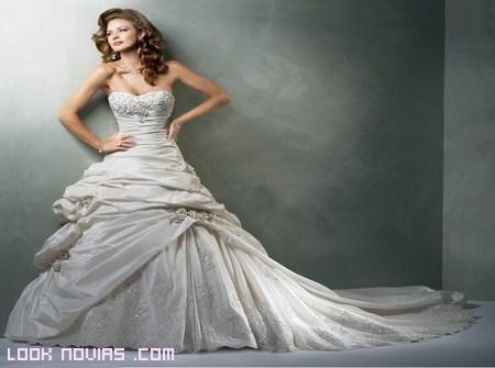 Tipos de escote para novias