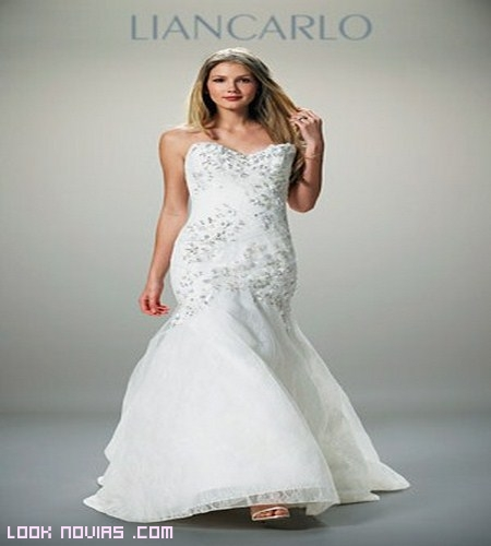 Pedrería en vestidos de novia