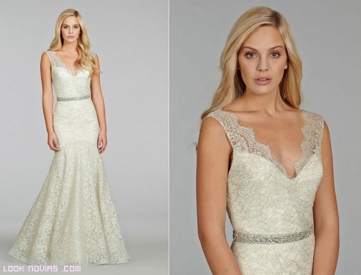 Vestidos de novia chantilly y con escote en V
