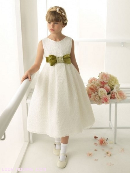 vestidos de comunión con lazos de colores