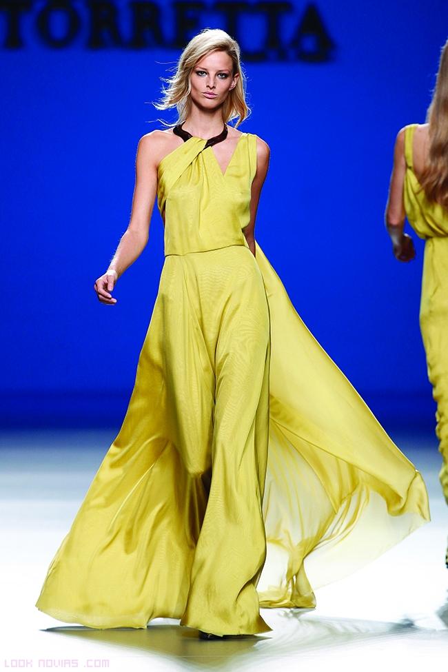 vestidos vaporosos en amarillo