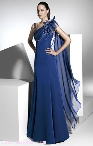 vestidos largos con plumas