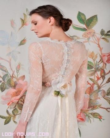 vestidos de novia con encajes y manga larga