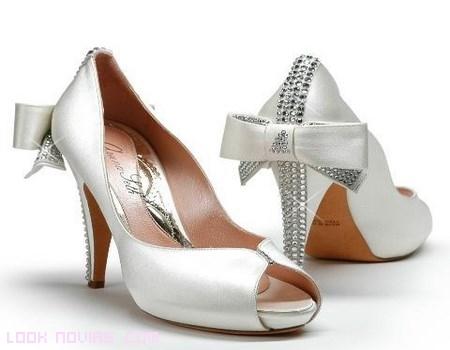 zapatos de novia con lazos