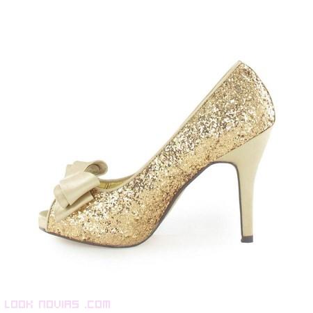 lazos para zapatos dorados de novias