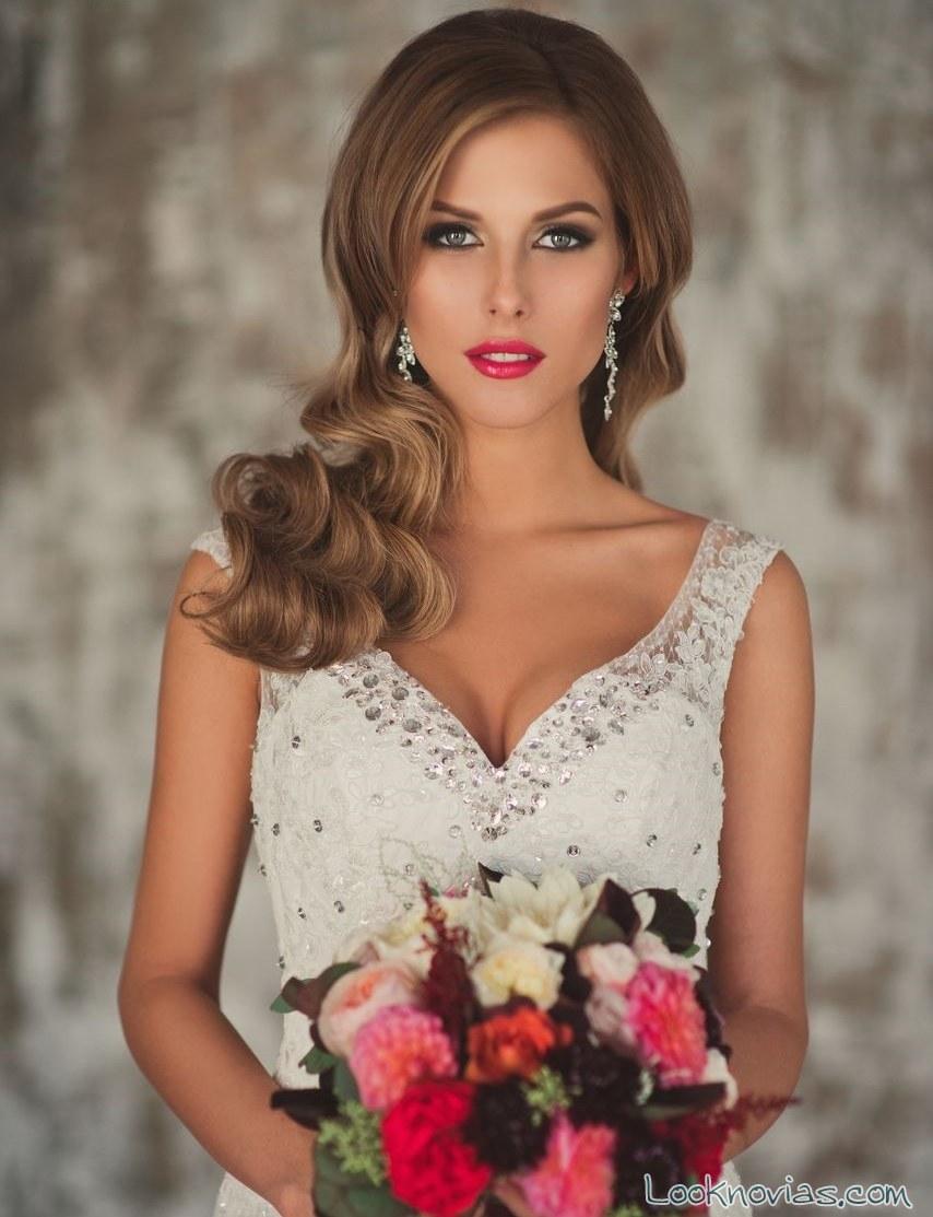 cabello suelto ondulado para novias