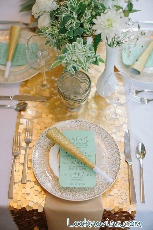 caminos de mesa dorados para bodas