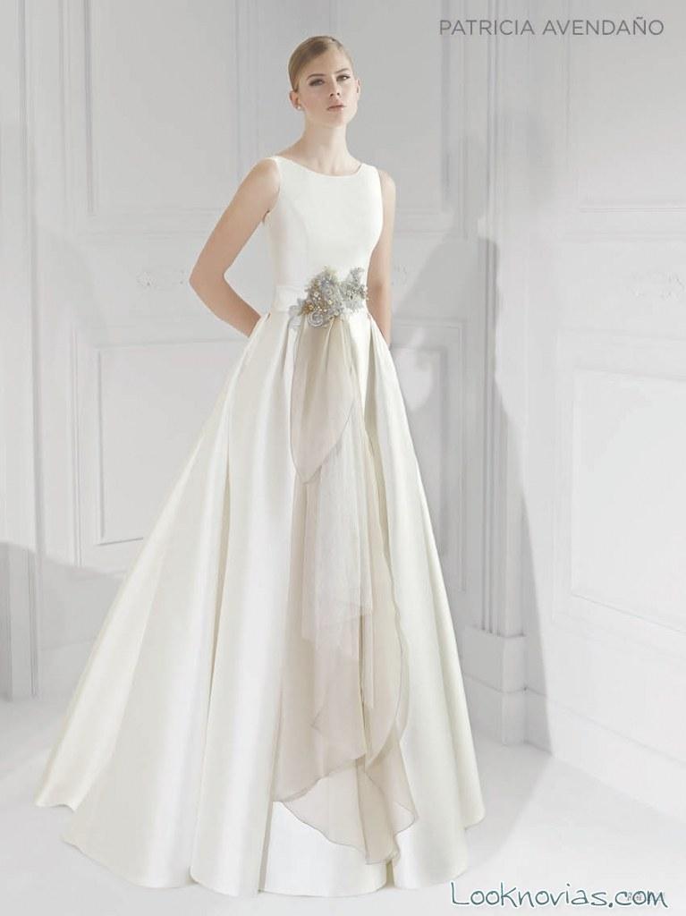 cinturón moderno en vestido de novia