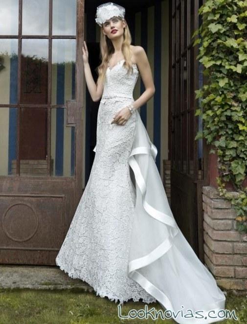 cola en vestido de novia con ribeteado