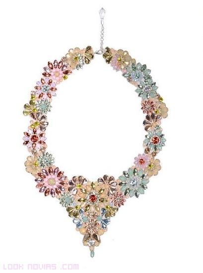 collares de flores para bodas