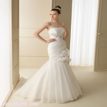 novias elegantes 2012