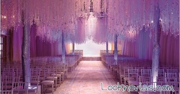 Entrada de boda en color malva
