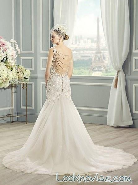 escote en espalda para novias con perlas