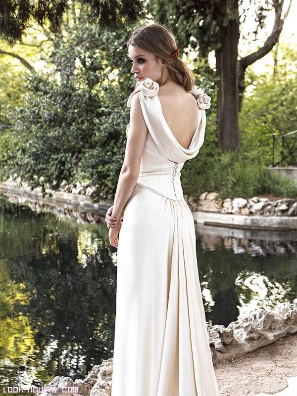 novias con vestidos de ligera caída