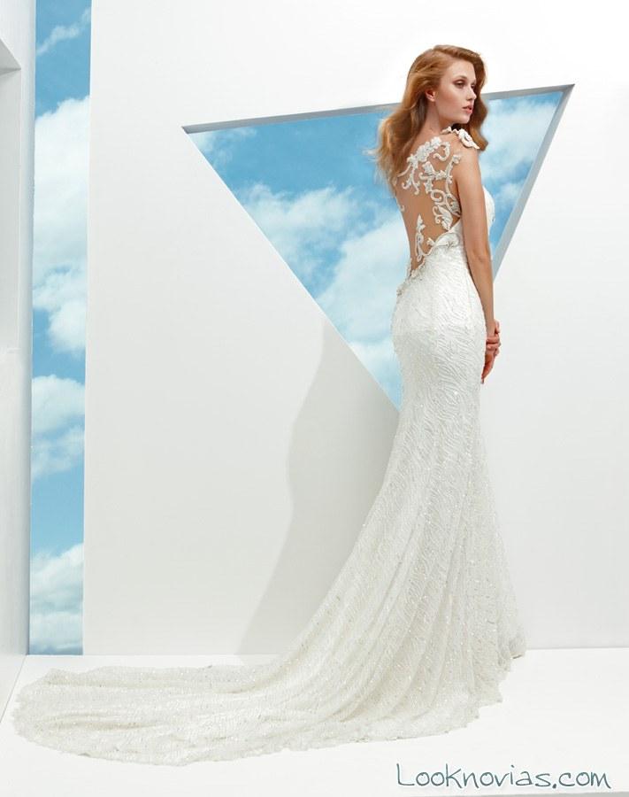 escote trasero en trajes de novias