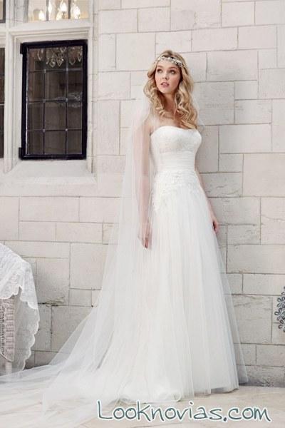 falda evasé de Tia Bridal 2016