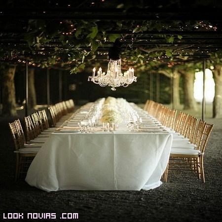 mesas alargadas para amigos en bodas