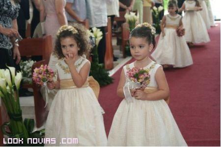 Niñas en boda