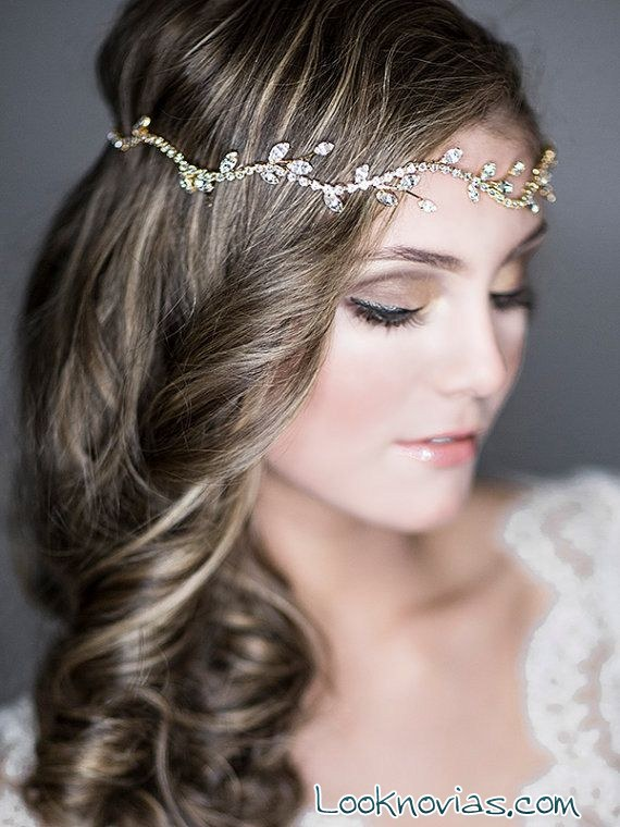 novia bohemia de pelo suelto