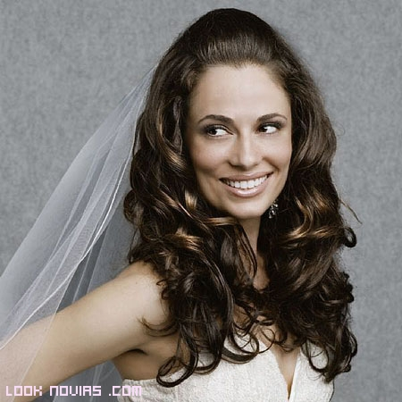 Pelo suelto y ondulado para novias
