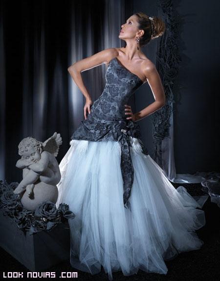 Vestidos de diseñadores de moda