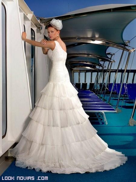 vestido y tocado novia