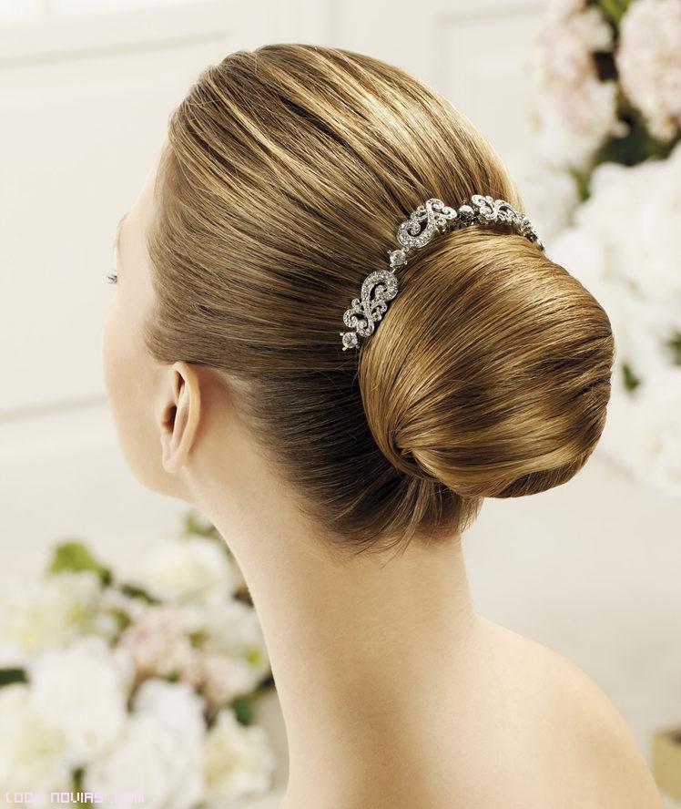 peinetas elegantes para novias