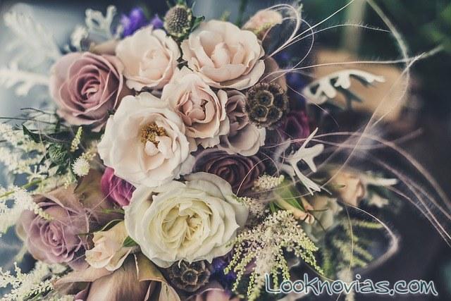 ramo de novia con colores del otoño