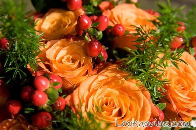 ramo de novia en color naranja