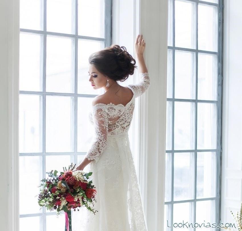 recogido elegante para novias bajitas