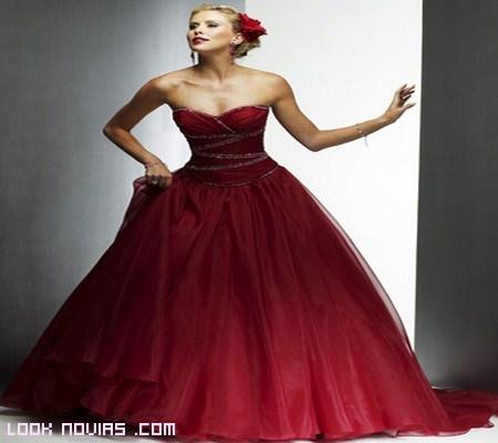 vestido rojo corte princesa