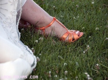 Sandalias en color